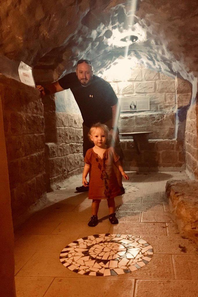 Safed, die Tunnel sind spannend und für Erwachsene als auch Kinder ein Erlebnis. Gilboa Passion